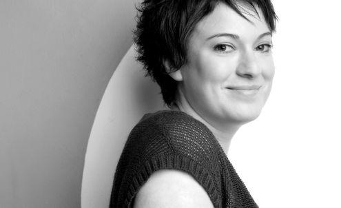 Nadia Finer : Female-centred communication