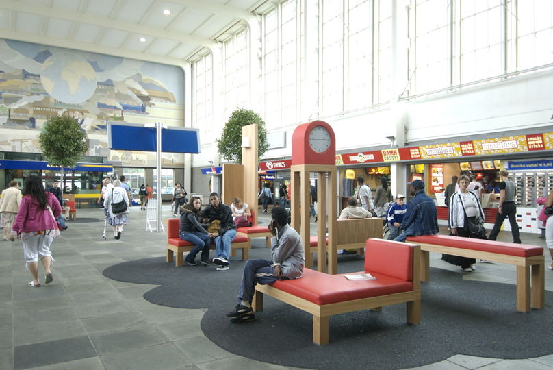 New public space  furniture for Amsterdam's Amstel Station designed by frank tjepkema and manufactured by hypsos