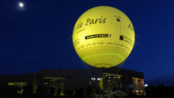 The air up there: A floating indicator of urban air quality in Paris