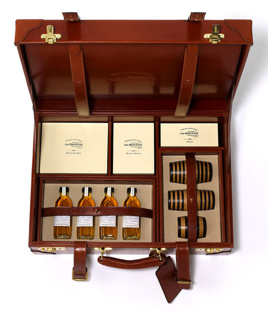 lsn news a wee dram distillery showcases traditional whisky. Black Bedroom Furniture Sets. Home Design Ideas