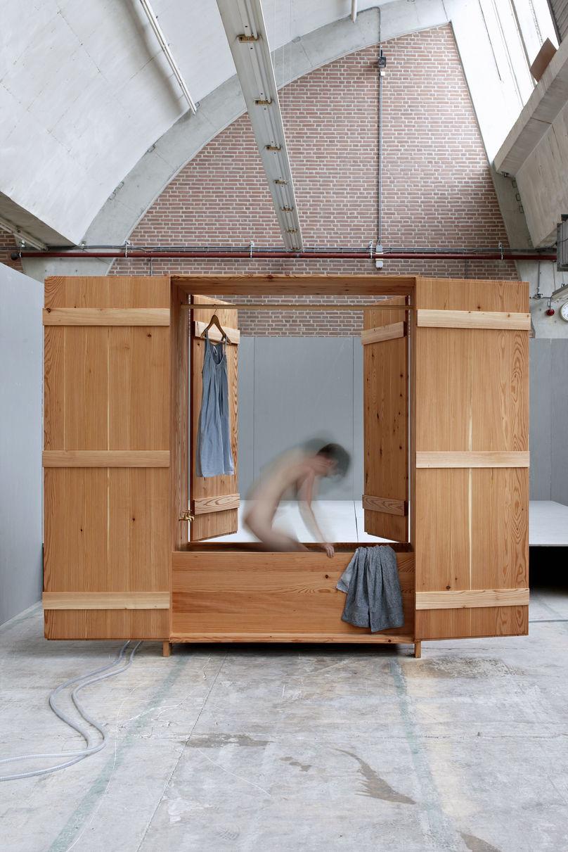 Badkast anna van der lei by Rene van der Hulst, Design Academy Eindhoven, Salone del Mobile 2010, Milan