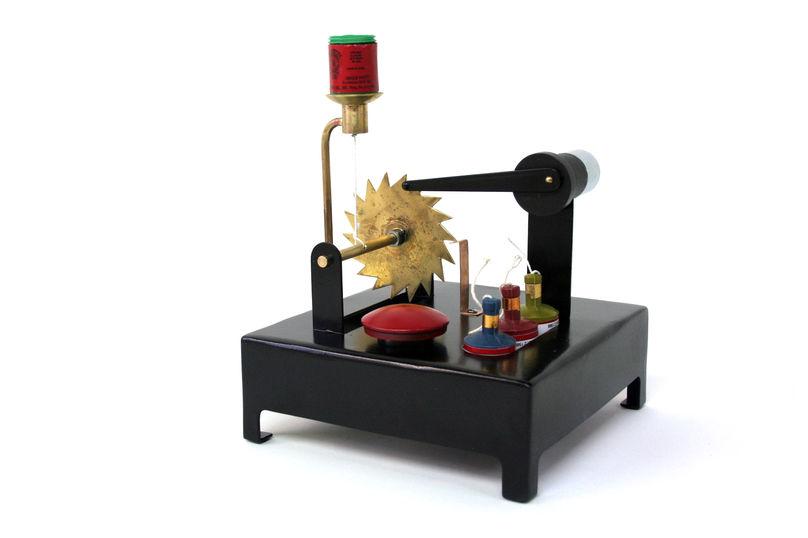 The Party Popper Machine, Martin Smith, Laikingland, Salone Del Mobile Milan