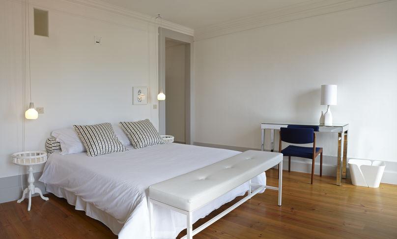 Hotel Favorita, Ema Xavier and Sam Baron, Porto