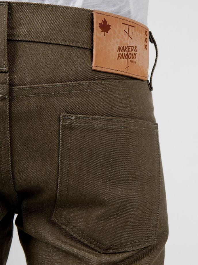 Tenue de Nîmes x Naked and Famous jeans