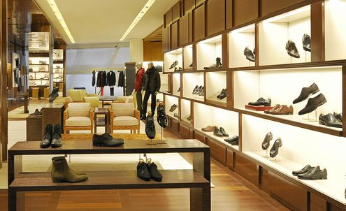 Men spend more on luxury than women in China
