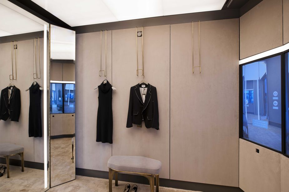 Lsn news gallery talk high tech meets high fashion for Website to help design a room
