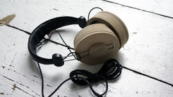 Peace music: Headphones promote slow listening