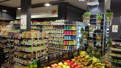 Carrefour pins hopes on organic store in Paris
