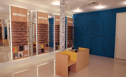 New Warby Parker store pops up in Los Angeles