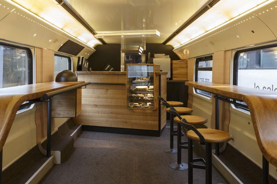 LSN : News : The Orient Espresso: Starbucks builds café on train