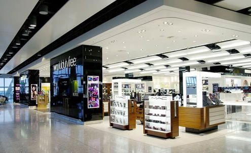 Chinese tourists drive growth in airport luxury retail