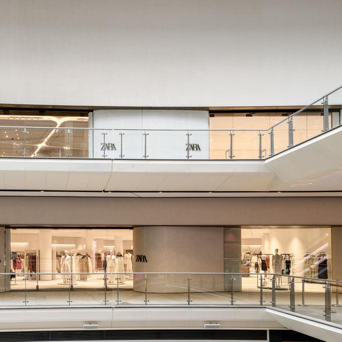 Zara Store Mode, UK