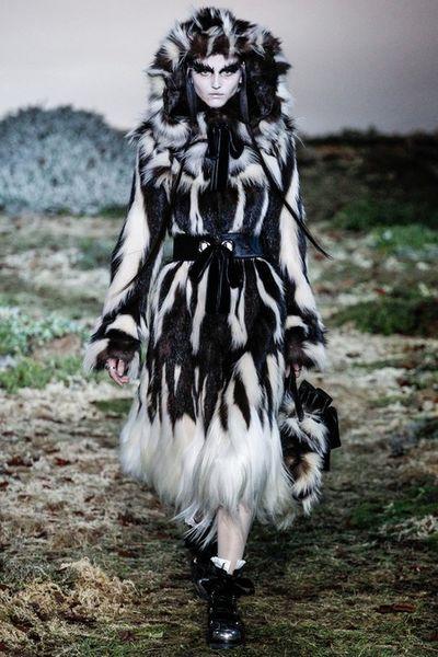 Alexander McQueen AW14 catwalk show