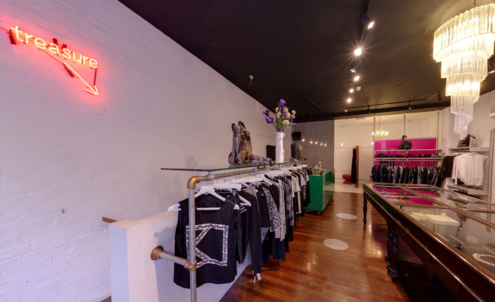 Site gives panoramic shoppable view of boutiques