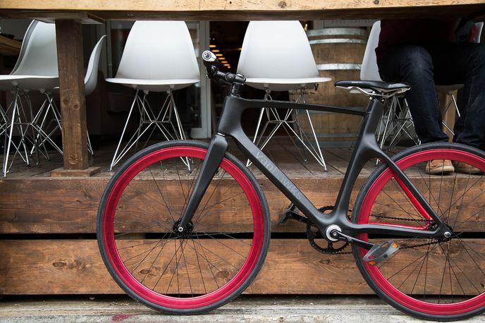 Vanhawks valour carbon fiber smart bike