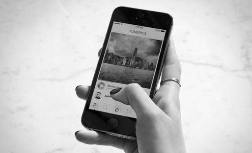 Adding emotion: Multi-layered social media