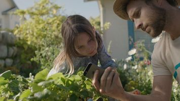 Parental guidance: Apple pitches iPhone 5s as all-round parenting tool