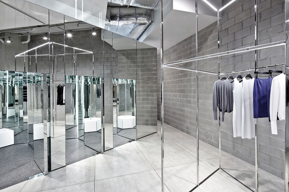 LSN : News : Mirrored maze: Minimalist interior is luxury's take on