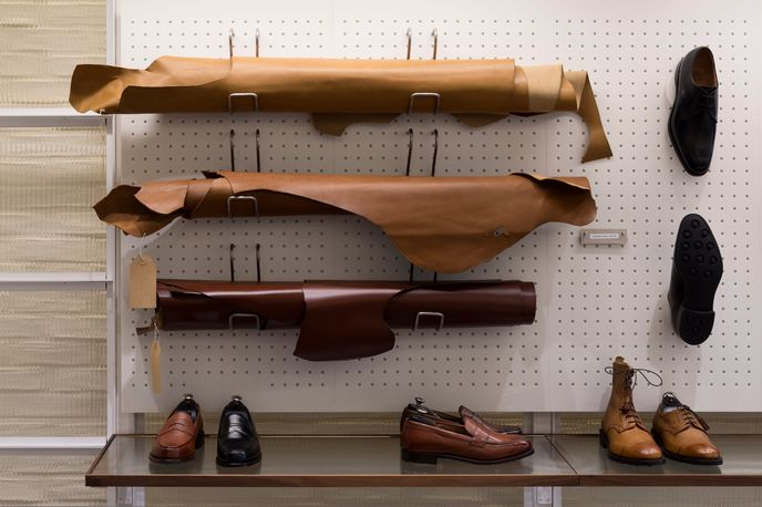 Joseph Cheaney by Checkland Kindleysides, London