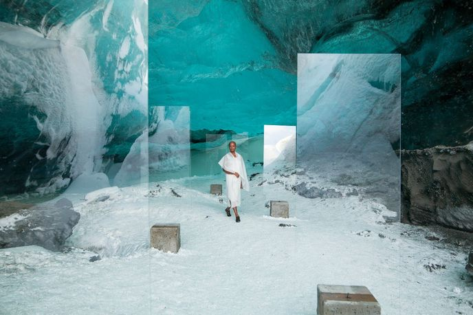 Stones Against Diamonds film by Isaac Julien created for Rolls-Royce, Venice Biennale