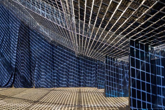 Reverberation by Shigeru Ban for Shiseido at Venice Biennale