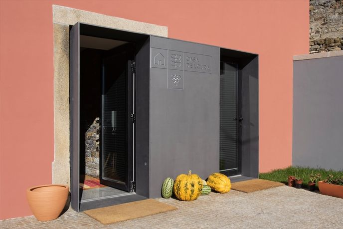 Casa de L Cura, Portugal