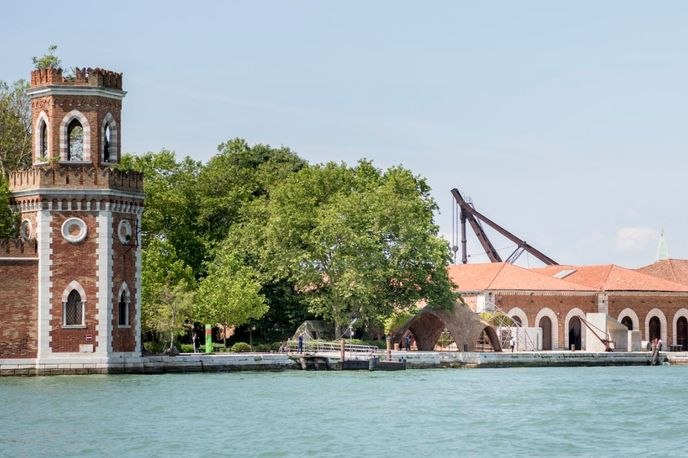 Droneport by The Norman Foster Foundation at Venice Biennale 2016