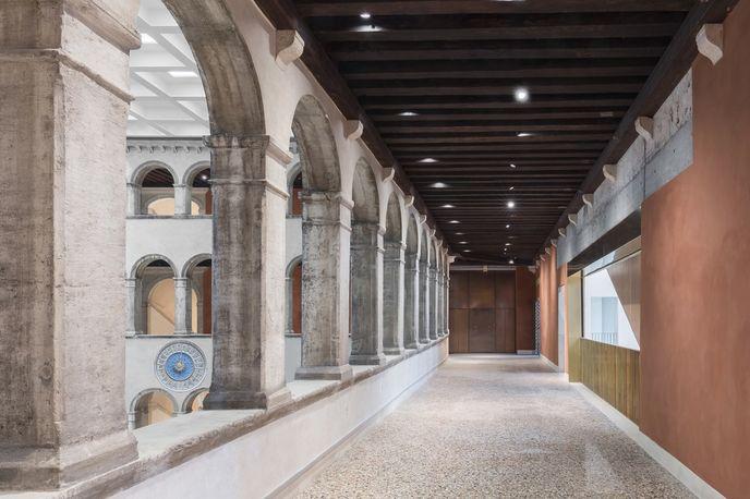 Fondaco dei Tedeschi by OMA, Venice