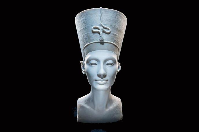 Digital copy of Queen Nefertiti bust