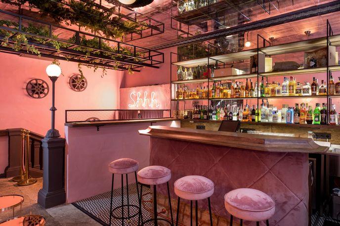 Pink Room by Circle Line Studio, Kiev