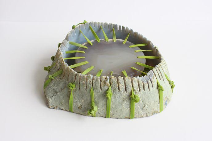 Plate by Tatjana Giorgadse for Steinbeisser on Jouw, Amsterdam