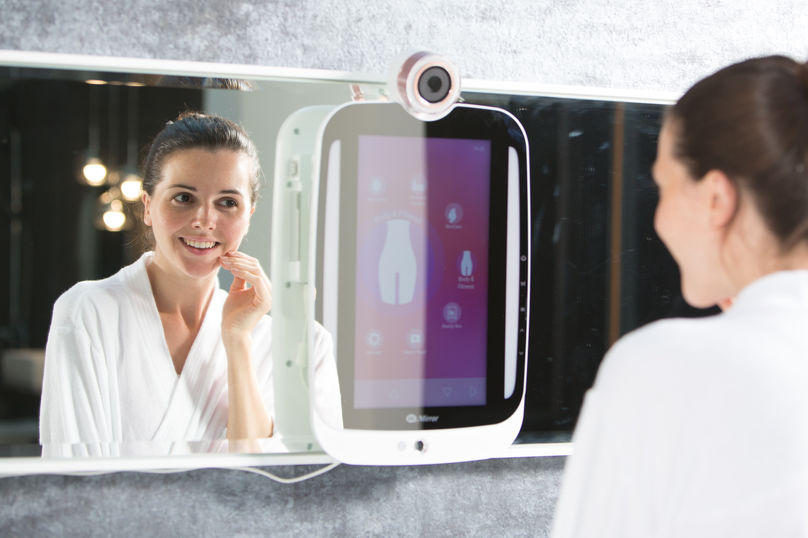 HiMirror by the New Kinpo Group
