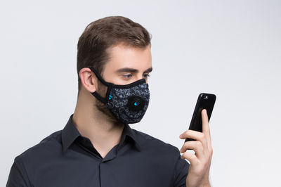 Smart Pollution Mask by Cambridge Mask Co, UK