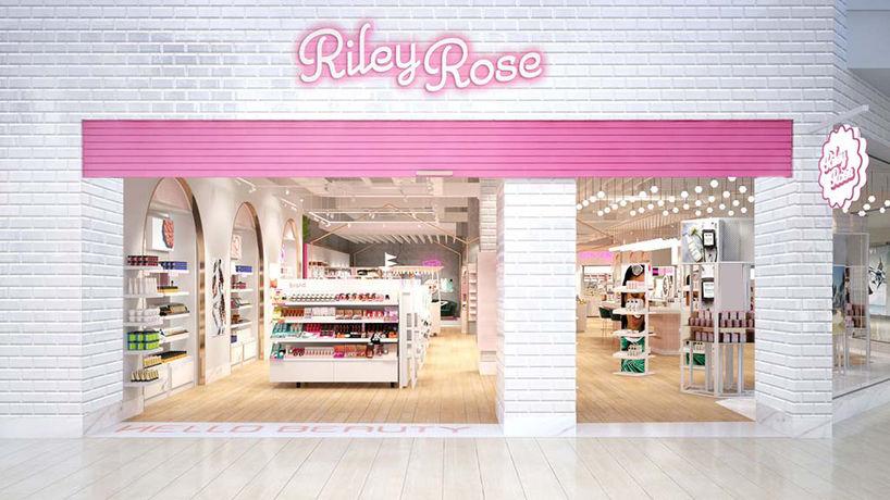 Riley Rose, Los Angeles