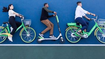 Scooter start-ups offer Los Angeles real-time journey data