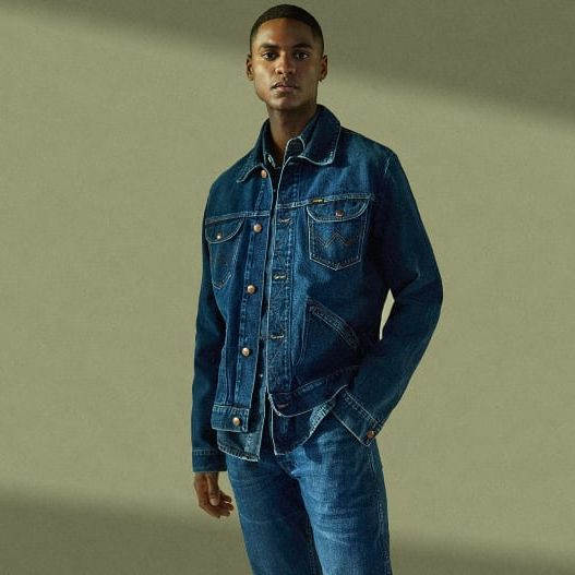 ffdf5fce LSN : News : Wrangler's foam dyeing reduces water usage by 99%