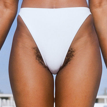 Billie's latest campaign embraces pubic hair