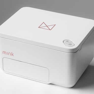 The Mink instantly 3D-prints colour cosmetics