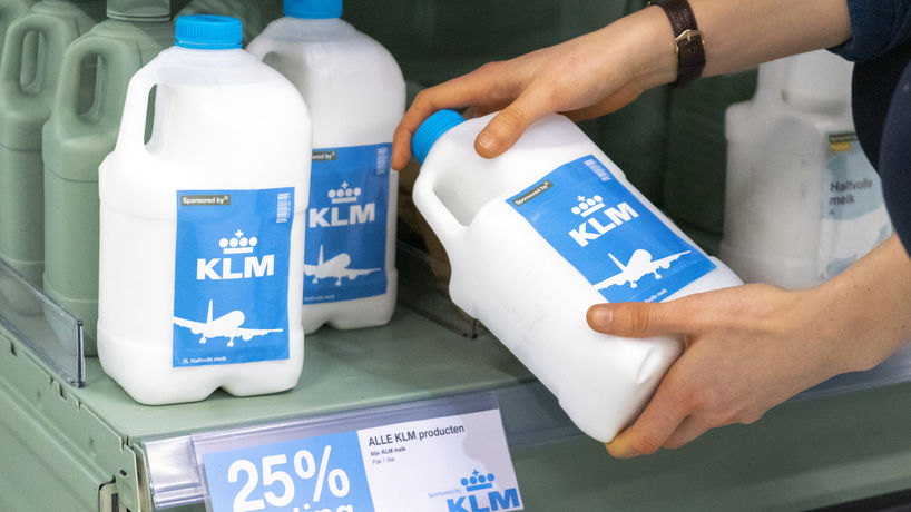 Milk Sponsored By © KLM by Pauline Wiersema and Thieu Custers